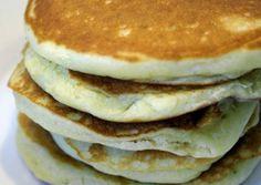 Pancakes (Αμερικάνικες Τηγανίτες) American Pancakes, Greek Desserts, Tasty, Yummy Food, Breakfast Pancakes, Food Hacks, Food Tips, Sweet Recipes, Food To Make