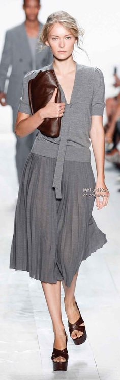 Michael Kors Spring 2014 ideal outfit for New York Fashion, Runway Fashion, Fashion Show, Womens Fashion, Fashion Tips, Fashion Design, Fashion Trends, Travel Outfit Spring, Spring Outfits