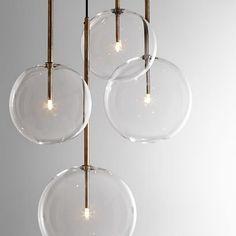 Pendentes em vidro da familia Bolle Sola, do designer italiano Massimo Castagna