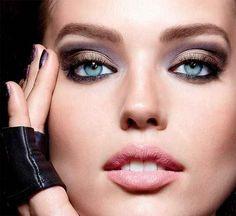 Occhi azzurri come truccarli e valorizzarli Occhi azzurri bellissimi e ammalianti ma come valorizzarli al meglio?!? Non tutti gli ombret trucco occhi azzurri maybelline