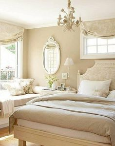 a lovely cream toned bedroom. Would be nice to have such a realxing b-room but with my hubby that won't work.