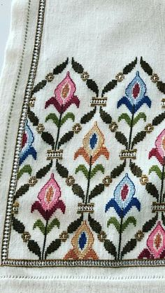 Cross Stitch Designs, Cross Stitch Patterns, Cross Stitch Rose, Just Do It, Needlework, Bohemian Rug, Folk, Cushions, Embroidery