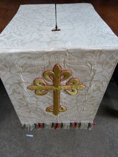 Cream #damask church chapel lectern fall #hanging with #large appliqué embroider,  View more on the LINK: http://www.zeppy.io/product/gb/2/172439134120/