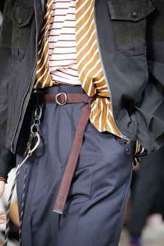 See all the Details photos from Lanvin Spring/Summer 2017 Menswear now on British Vogue Lanvin, Men Street, Street Wear, Mens Fashion Shoes, Fashion Outfits, Look Man, Vogue, Fashion Details, Fashion Design