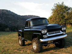The 1958 Chevy truck featured some design changes and offered some new innovations in technology. The most noticeable design changes came on the front of the truck. Gm Trucks, Lifted Trucks, Cool Trucks, Pickup Trucks, Dually Trucks, Chevy 4x4, Chevy Pickups, Chevrolet Trucks, Chevy Stepside