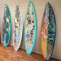 diy home decor - Surfboard Design Mosaic Artwork, Mirror Mosaic, Mirror Art, Mosaic Tiles, Surfboard Decor, Surf Decor, Surfboard Table, Handmade Mirrors, Decoration Originale