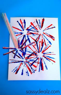 Straw Fireworks Craft for Kids - of July craft or Memorial day art project Have your kids make this fireworks craft using a bunch of straws as a stamper! It's a quick and easy of July or Memorial Day art project! Patriotic Crafts, July Crafts, Summer Crafts, Holiday Crafts, Holiday Fun, Fireworks Craft For Kids, Fireworks Art, Firework Art Ks1, Firework Nails