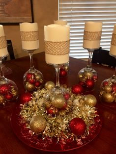 I made eight of these centerpieces for my company party. Used an example from another pin. Christmas Table Centerpieces, Diy Centerpieces, Xmas Decorations, Christmas Home, Christmas Wreaths, Christmas Crafts, Christmas Ornaments, Christmas Ideas, Seasonal Decor