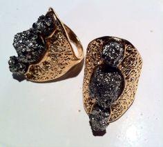 AMORame joyería artesanal estilo boho, diseño mexicano... Handmade boho jewellery, mexican design Mexican Design, Estilo Boho, Boho Jewelry, Rings For Men, Stud Earrings, Fashion, Craft Jewelry, Mexican, Men Rings