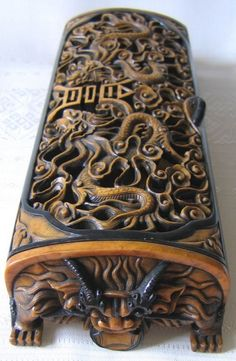 Hand carved soapstone box with Dragon motif    Google Image Result for http://www.sabaidesignsgallery.com/images/product_images/popup_images/208_6.JPG