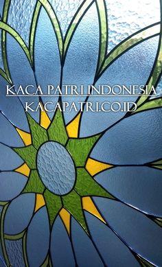 Motif kaca patri circle (Lingkaran) window Rose Style #kacapatri #Rose #Circle #artglass Glass Texture