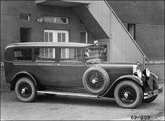 Škoda 1930 Emergency Equipment, Seat Cupra, Double Photo, Vw Group, Mini Trucks, Automobile Industry, Police Cars, Ambulance, Old Cars