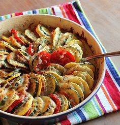 Vegetable Tian - I made this tonight and added sliced Polish sausage instead of some of the tomatoes to make a main dish. Very tasty and so many good veggies! Vegetable Recipes, Vegetarian Recipes, Cooking Recipes, Healthy Recipes, Vegetarian Thanksgiving, Thanksgiving Recipes, Thanksgiving Sides, Vegetable Tian, Vegetable Slice