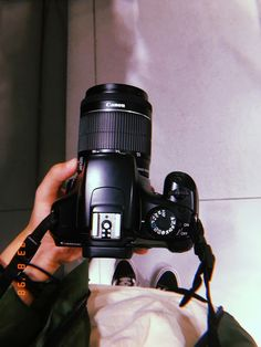 studio photography tips and guide Cute Photography, Tumblr Photography, Photography Camera, Aesthetic Photo, Aesthetic Pictures, Camera Wallpaper, Ft Tumblr, Fake Photo, Instagram Story Ideas