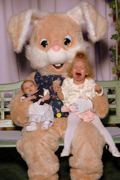 PictoVista: 13 Horrible Easter Bunny Family Pictures