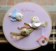 : Porta de maternidade - bastidor - passarinho