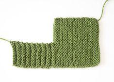 Flat Knit Booties Free Knitting Pattern - Gina Michele, - New Ideas Baby Booties Knitting Pattern, Baby Shoes Pattern, Baby Knitting Patterns, Mittens Pattern, Knitting For Charity, Easy Knitting, Double Knitting, Knitted Baby Boots, Knit Baby Booties