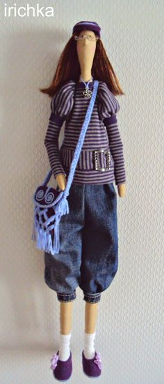 Brinquedos de Irishkov...(cute tilda doll...not to mention her outfit and bag!)...