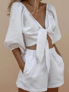 #minimal #summer #shorts #ootd Look Fashion, Daily Fashion, Korean Fashion, Fashion Beauty, Fashion Outfits, Womens Fashion, Fashion Tips, Young Fashion, Feminine Mode