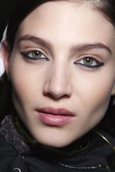 5 Ways To Rock Eyeliner On Your LowerLid | StyleCaster
