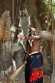 .wolof shaman with animal skins.garden region.casamance.southern senegal.VsV.