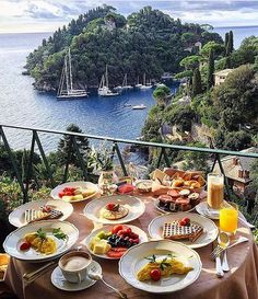 The Splendido Hotel, Portofino The Places Youll Go, Places To Go, Places To Travel, Travel Destinations, Vacation Places, Portofino Italy, Positano Italy, Sorrento, Photo Instagram