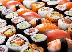 Sorry, but not all sushi is healthy for you—it depends what your go-to roll is! This is the worst sushi roll you don't want to order at a sushi restaurant. via @eatthisnotthat @LaurenPincusRD quoted Sushi Buffet, Eat Sushi, Sushi Food, Nigiri Sushi, Japan Sushi, Food Porn, Sushi Rolls, Food Cravings, Japanese Food