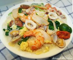 Seafood white bee hoon - In My HDB Kitchen Shellfish Recipes, Seafood Recipes, Cooking Recipes, Noodle Recipes, Noodle Soups, Asian Recipes, Healthy Recipes, Ethnic Recipes, Chinese Recipes
