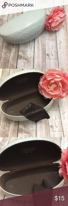 🌸 Coach Ivory Signature C Clamshell Case 🌸 👓 Beautiful Coach Large Clamshell Sunglasses Case. This is authentic, I bought from Coach store myself. I only used it a couple times. In great condition! No smudges on the white outside. My photos don't do this justice! Comes with Coach dust cloth!  This is for the purchase of Coach Case and Dust Cloth only. ❤️❤️ Coach Accessories Sunglasses