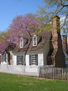 Williamsburg, Virginia.... fell in love with every home!!!!