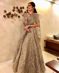 Actress Sagarika Ghatge married to Zaheer Khan her sari and jewellery Indian Gowns Dresses, Indian Fashion Dresses, Indian Designer Outfits, Designer Dresses, Indian Fashion Trends, Indian Fashion Designers, Bridal Lehenga, Lehenga Choli, Bridal Anarkali Suits