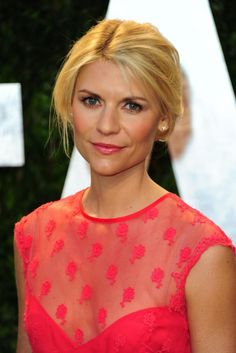 Claire Danes photos, images and pictures celebrities, 55 Claire Danes, Bridal Hair And Makeup, Hair Makeup, Wedding Makeup, Coral Pink Lipstick, Red Carpet Hair, Strawberry Blonde Hair, Woman Crush, Beauty Photography