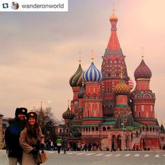 #Repost @wanderonworld Just one year today Dani and I put our feet in the grand Red Square in #moscow for the first time. The trip consisted of 4 days in Moscow 4 days in Saint Petersburg and 1 ride in the Red Arrow Train where I felt like Anastasia. In summary an outstanding trip.  Exactamente hace un año 29 de marzo de 2015 Dani y yo pisábamos la gran Plaza Roja de #moscu por primera vez. Fue un viaje de 4 días en Moscú 4 días en San Petersburgo y 1 viaje en el tren Flecha Roja en el que…