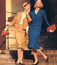 1959 vintage fashion style blue tan suit jacket skirt 60s 60s models magazine hat clutch purse shoes