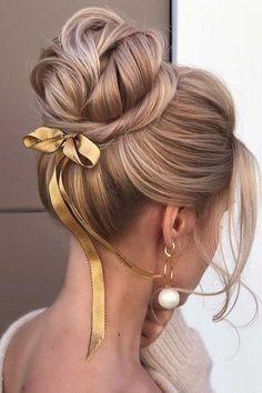 Cute Hairstyles Updos, Cute Hairstyles For Medium Hair, Trending Hairstyles, Vintage Hairstyles, Medium Hair Styles, Curly Hair Styles, Hairstyle Ideas, High Bun Wedding, Hair Wedding