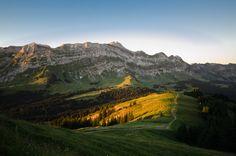 #Säntis in #Switzerland #Sunrise #Schwägalp #Schweiz Photo by Timo Kellenberger Homeland, Life Is Beautiful, Switzerland, Mount Everest, Mountains, Landscape, Places, Nature, Travel