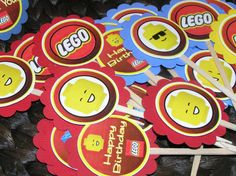 Getting ready for Jarom's Lego Party. Glad we're going with the easy route of cupcake toppers. Lego Movie Birthday, Lego Movie Party, Lego Themed Party, 6th Birthday Parties, Birthday Fun, Birthday Ideas, Legoland, Party Planning, Party Time
