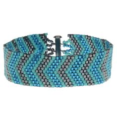 Odd Count Peyote allows you to create fun and shimmering chevron patterns like this one seen here. Chevron Patterns, Seed Bead Patterns, Peyote Patterns, Beading Patterns, Chevron Bracelet, Beaded Bracelet Patterns, Beaded Bracelets, Beading Projects, Beading Tutorials
