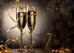 Pair glass of champagne. New year celebration or wedding concept theme. Paper streamer with defocused lens blur over background. Anniversary Pictures, Happy Anniversary, Anniversary Quotes, Holiday Wallpaper, Hd Wallpaper, Serpentina, Paper Streamers, Auld Lang Syne, Ideal Shape