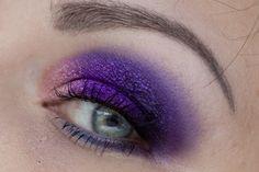 BÄM² mit KIKO Colour Shock Long Lasting Eyeshadow   Magimania Beauty Blog http://www.magi-mania.de/kiko-colour-shock-long-lasting-eyeshadow-makeup-purple-gold/