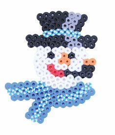 Perler Beads Happy Snowman Holiday Activity Kit Craft for Kids, 227 pcs. Christmas Perler Beads, Beaded Christmas Ornaments, Diy Christmas Gifts, Hama Beads Patterns, Beading Patterns, Hama Art, Art Perle, Winter Crafts For Kids, Christmas Templates