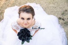Debutante portrait photography by Mount Gambier based, South Australian Photographer Louise Agnew. Natural light, candid and beautiful photography.
