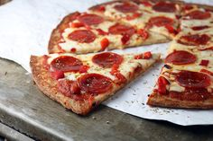 Browsing for keto recipe's can be daunting at times, and then trying all the different variations. This is one of my favorite keto pizza recipes! Ketogenic Recipes, Low Carb Recipes, Cooking Recipes, Healthy Recipes, Ketogenic Diet, Dukan Diet, Vegetarian Cooking, Low Carb Bread, Low Carb Keto
