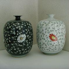 Korean Grey Celadon Porcelain Pottery Duad / Collectibles a vase / Chinaware !!