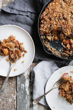 Pear Apple Pistachio Crumble #healthy #dessert #recipe #vegan #apple #pudding