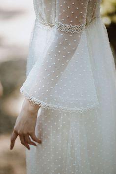 José María Peiró for Whiteday : Vestido de novia colección 2019 : Tendencias de Bodas Magazine #vestidodenovia #weddingdresses #plumeti Wedding Dresses, Ideas Para, Fashion, Brides, Bridal Gowns, Tulle, Bride Dresses, Moda, Fashion Styles