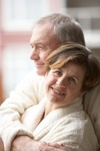 Love actually does last forever.just look at elderly couples and learn from them. Older Couple Poses, Older Couples, Mature Couples, Couple Posing, Couple Shoot, Picture Poses, Photo Poses, Old Couple Photography, Grandparent Photo