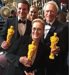 do-nothing:Photo: 第87回アカデミー賞で、期待の賞は獲れなかったけれど、LEGOオスカー像をもらったメリル・ストリープと、ブラッドレイ・クーパーとクリント・イーストウッド監督!!