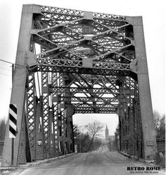 RETRO ROME – South James Street bridge looking north – December The aged narrow span (built in over the Barge (Erie) Canal was replaced by a wider version in Continue reading Erie Canal, Upstate New York, Picture Quotes, Rome, Cities, Bridge, Retro, Pictures, Travel
