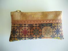 Your place to buy and sell all things handmade Pencil Bags, Pencil Pouch, Cork Fabric, Vegan Gifts, Sustainable Gifts, Fabric Purses, Toiletry Bag, Makeup Organization, Zipper Pouch